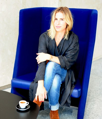women-i-work-with-alyson-frahm-blue-chair