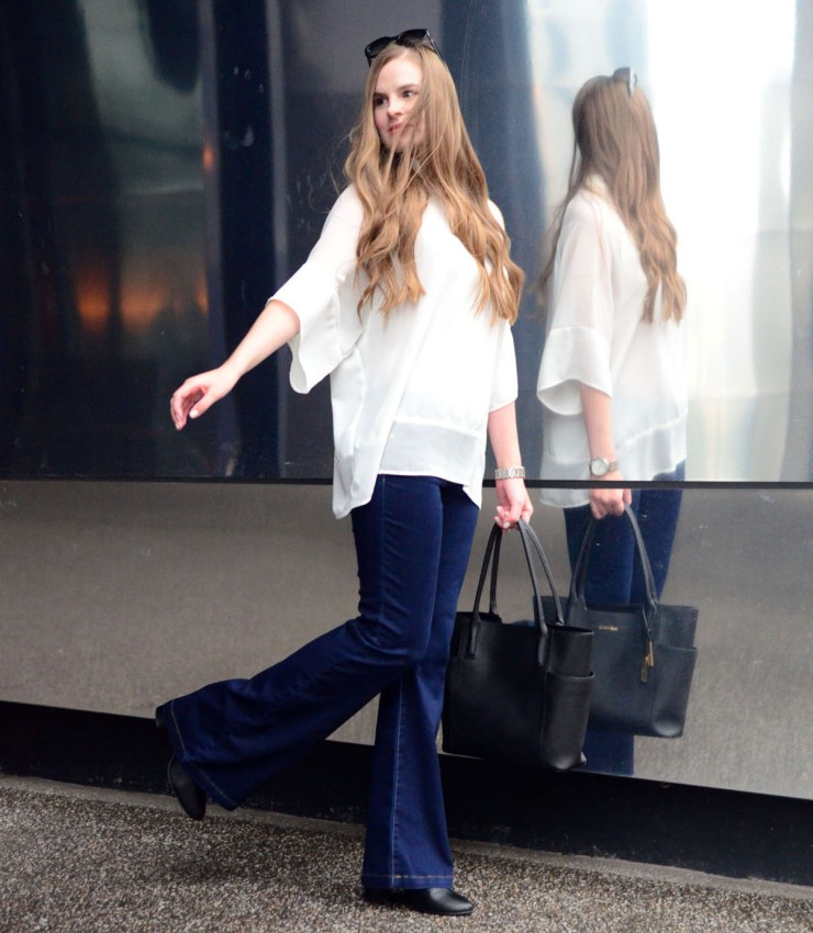 women-i-work-with-target-laura-anderson-white-blouse-denim