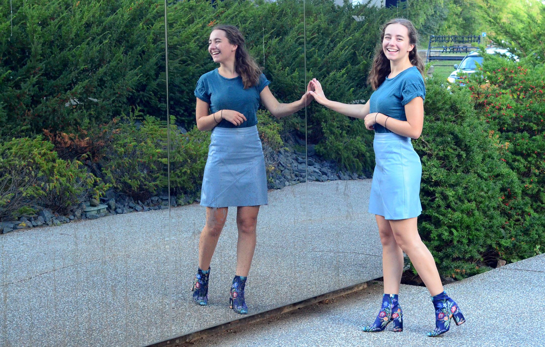 women-i-work-with-target-sammie-kaufman-mini-skirt-pattern-boots