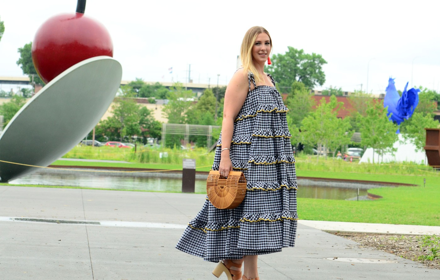 women-i-work-with-melissa-andrykowski-gingham-sundress-straw-bag-platform-sandals